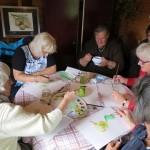 Peerschilderen 2014 - Dames van schilderclub de Kwebbelkwastjes aan het werk1