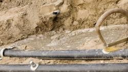 Stremming Dijkhuizen in Ruinerwold door werkzaamheden aan het riool
